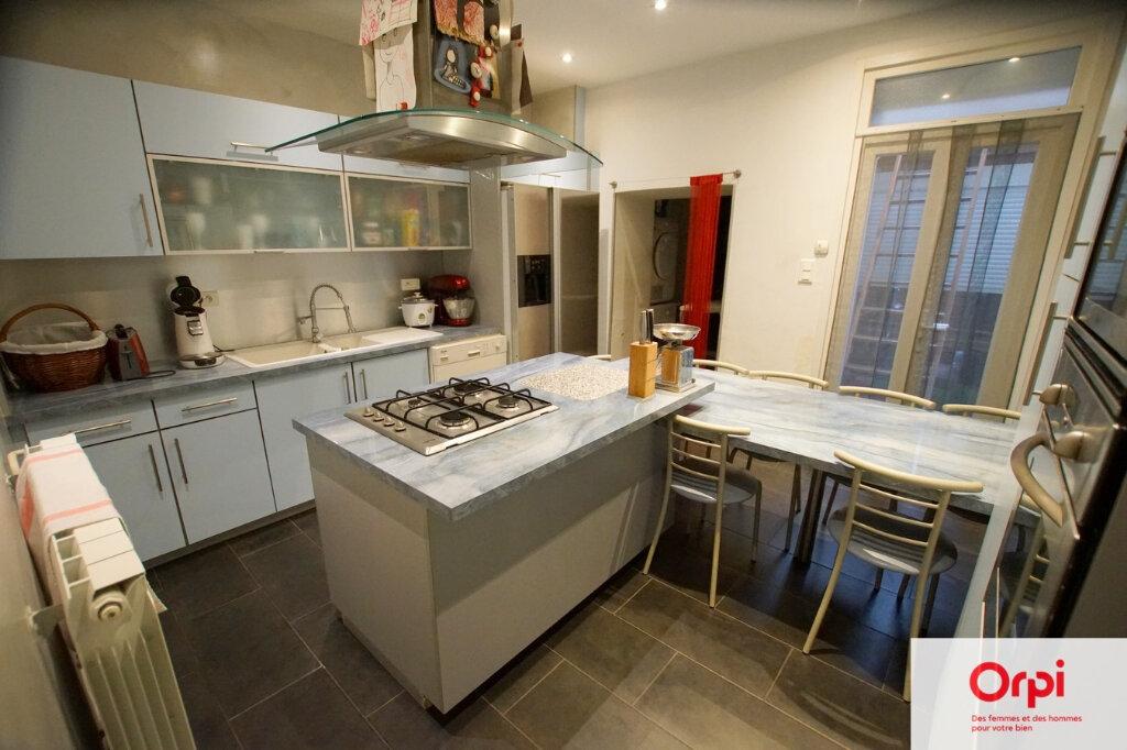 Maison à vendre 5 120m2 à Vauvert vignette-3
