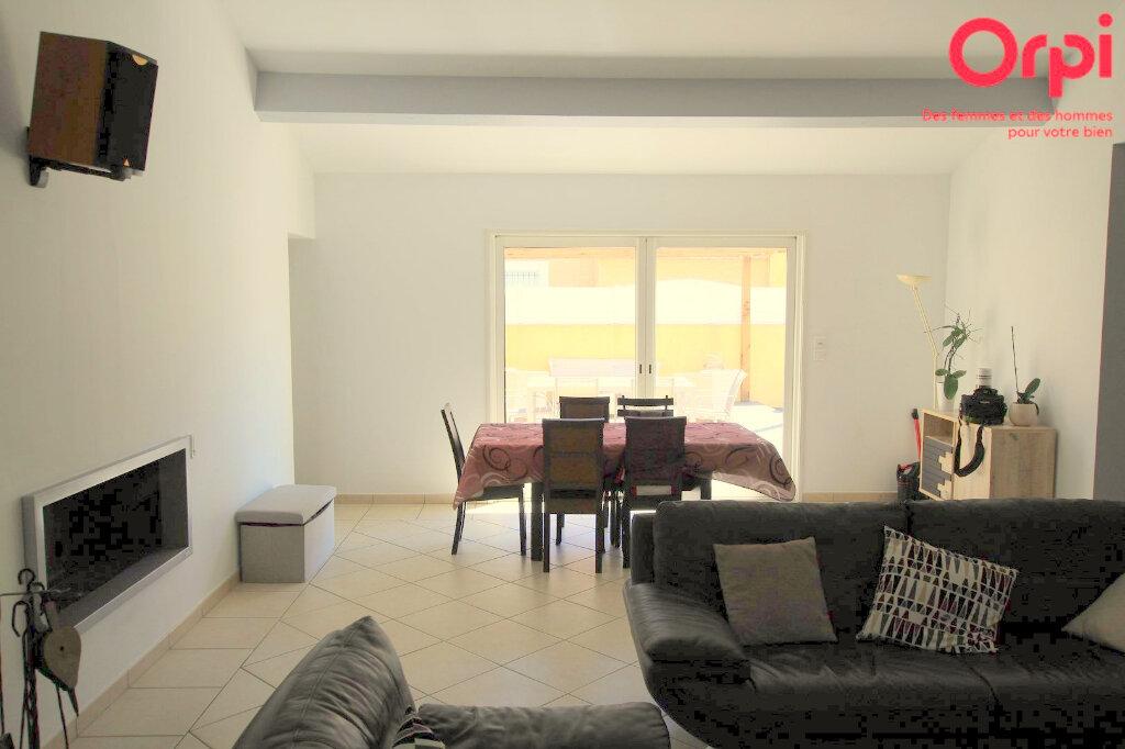 Maison à vendre 5 129m2 à Lunel vignette-8