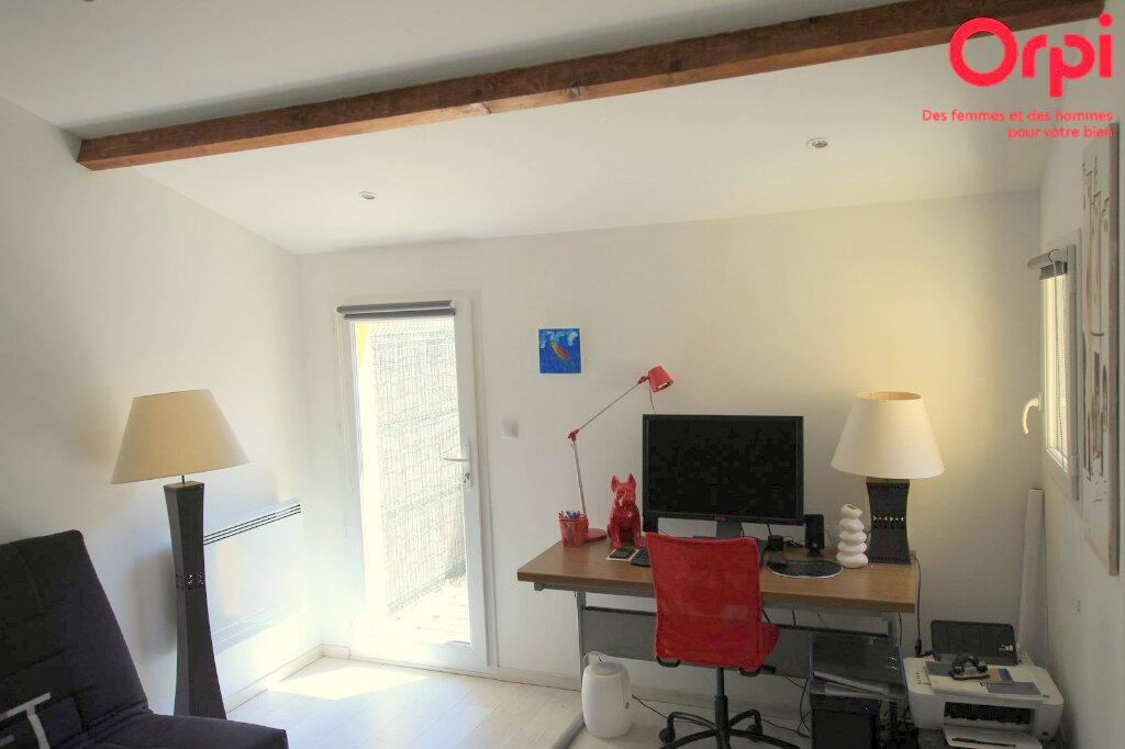 Maison à vendre 5 129m2 à Lunel vignette-13