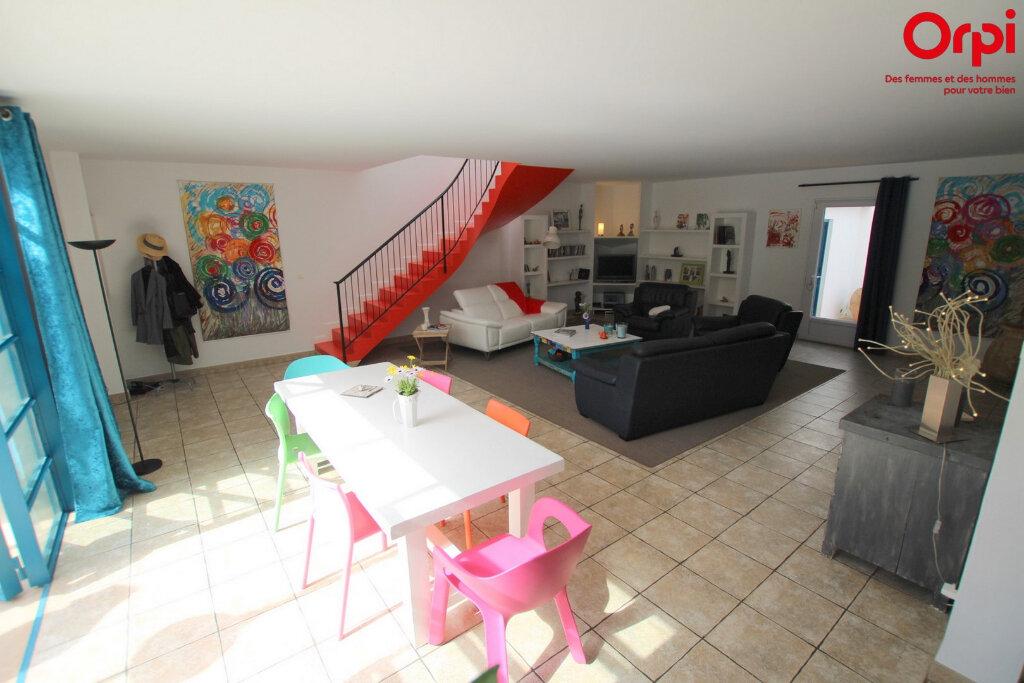 Maison à vendre 5 160m2 à Lunel vignette-3