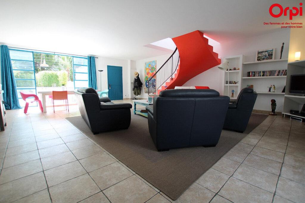 Maison à vendre 5 160m2 à Lunel vignette-6