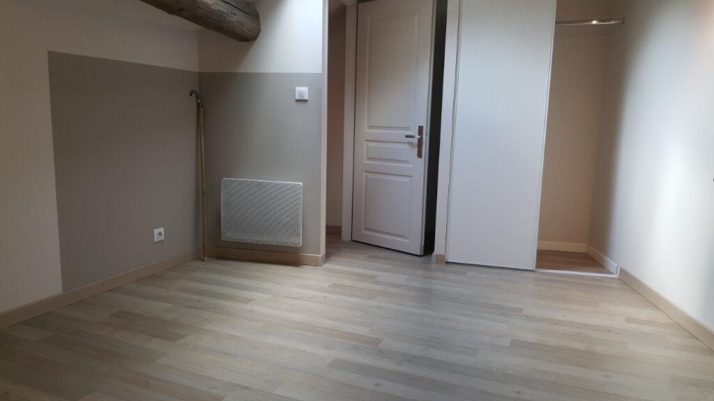 Appartement à louer 3 72.87m2 à Sommières vignette-5