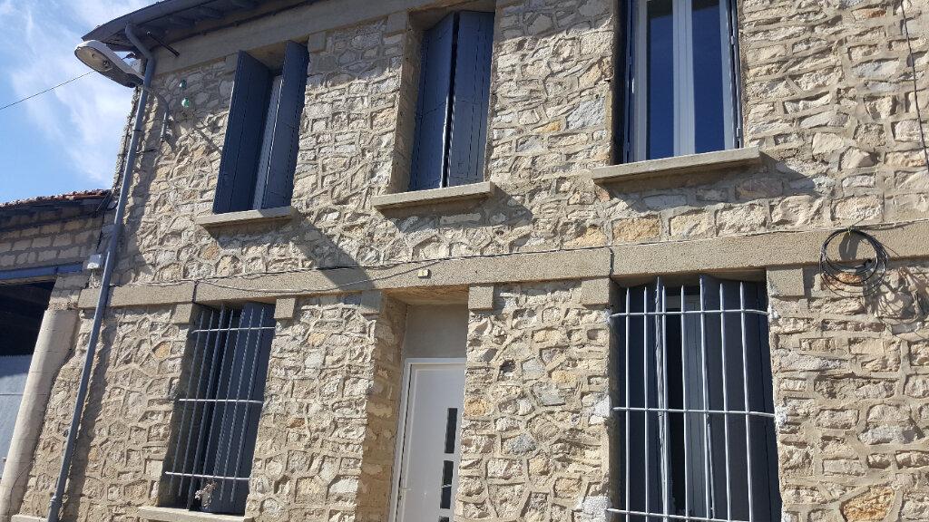 Maison à louer 3 63.69m2 à Marsillargues vignette-1