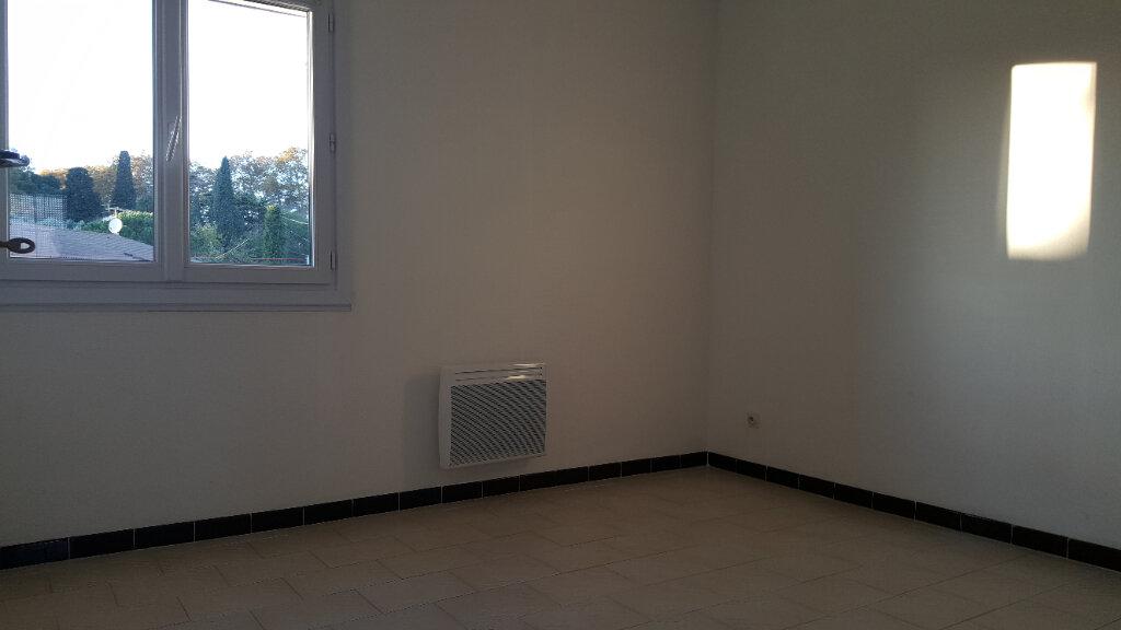 Maison à louer 5 99m2 à Aimargues vignette-6