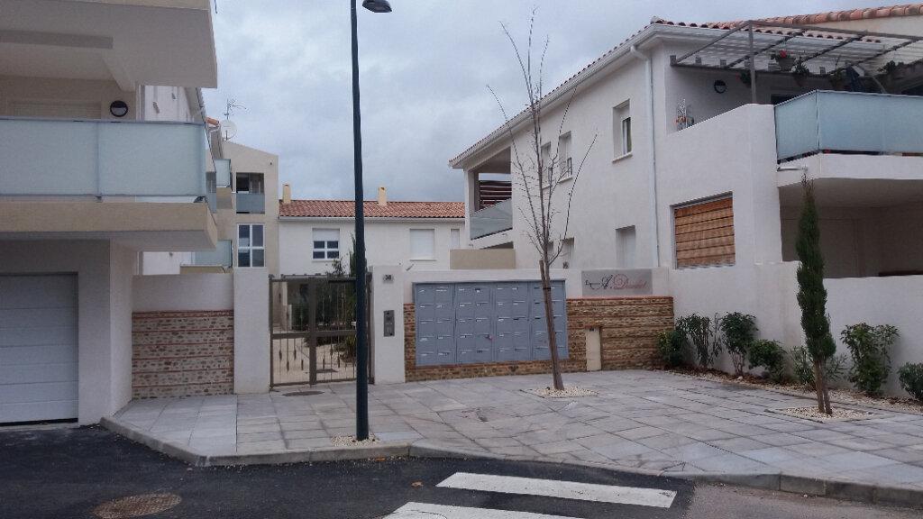 Appartement à louer 1 25.95m2 à Caissargues vignette-1