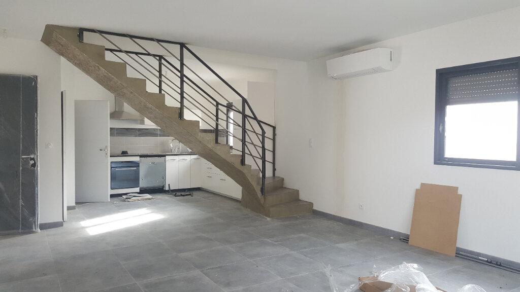 Maison à louer 4 91.88m2 à Lunel vignette-1