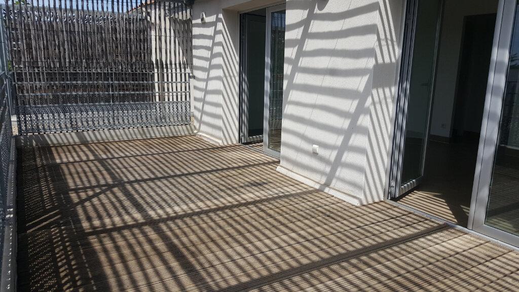 Appartement à louer 2 41.68m2 à Lunel vignette-2