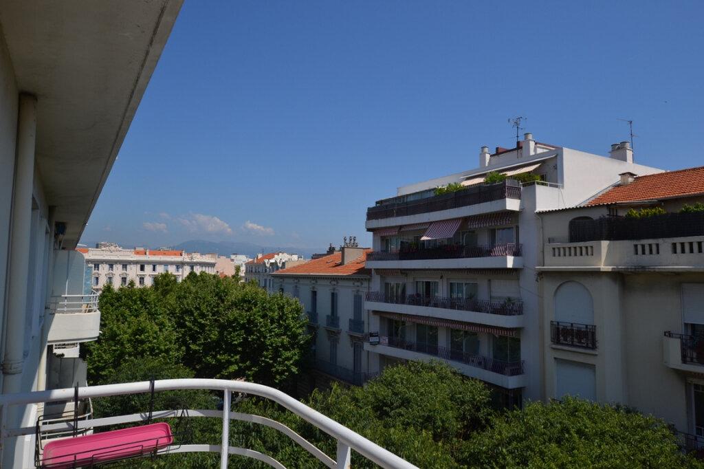 Appartement à vendre 3 93m2 à Antibes vignette-11
