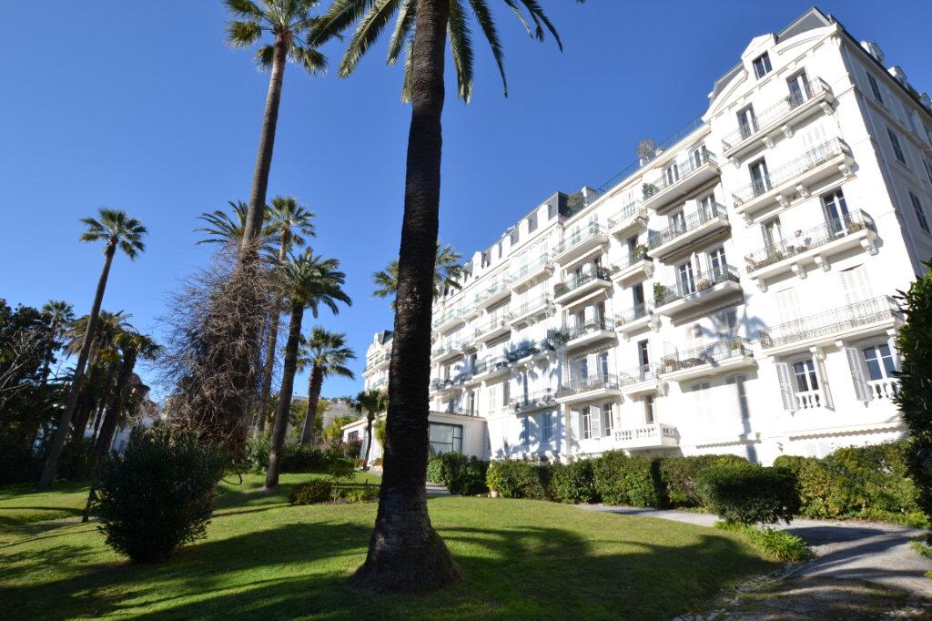 Appartement à vendre 4 109m2 à Cannes vignette-1