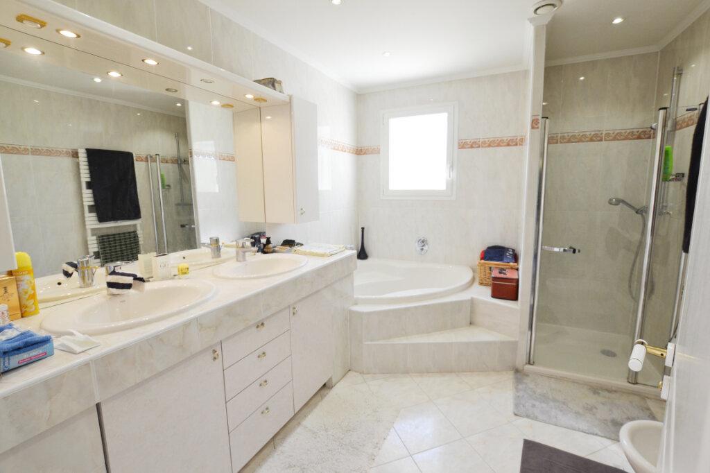 Maison à vendre 10 330m2 à Mandelieu-la-Napoule vignette-9