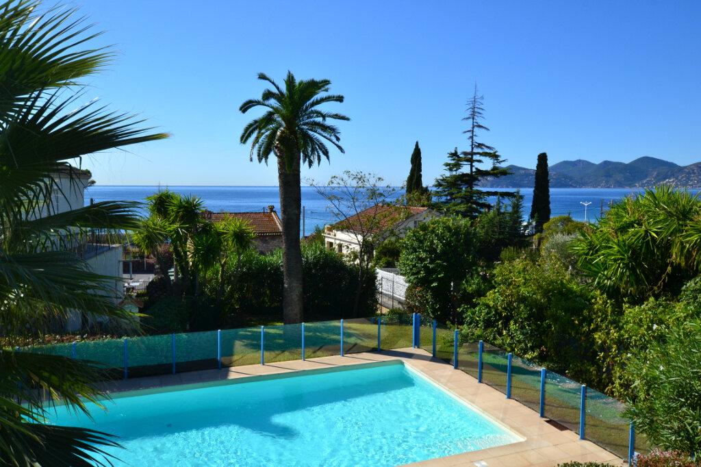 Appartement à vendre 3 63.06m2 à Cannes vignette-1