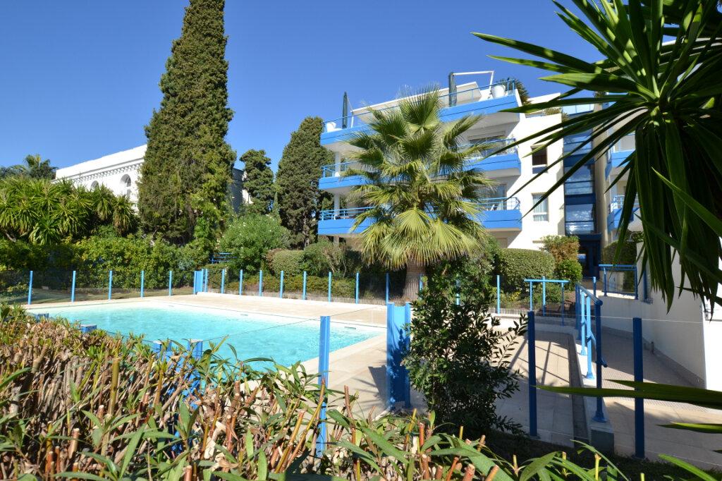 Appartement à vendre 3 63.06m2 à Cannes vignette-4