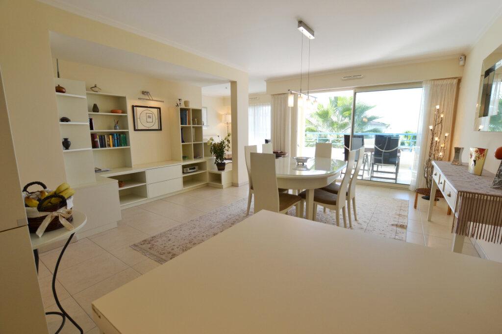 Appartement à vendre 3 63.06m2 à Cannes vignette-5