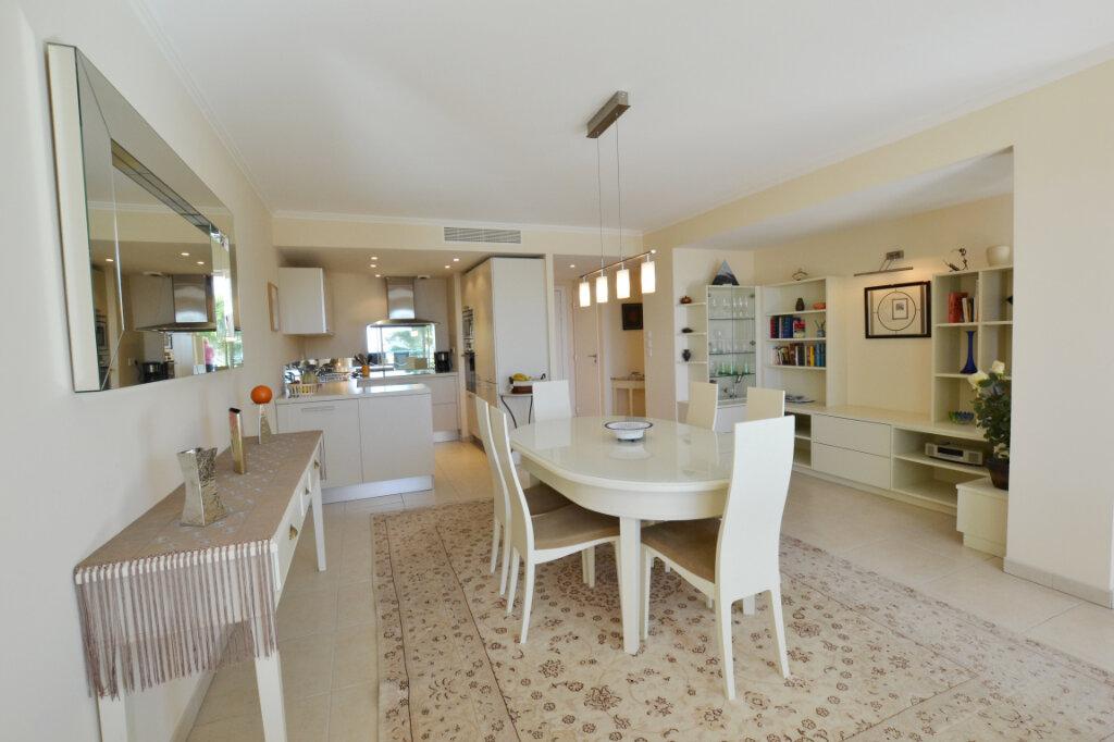 Appartement à vendre 3 63.06m2 à Cannes vignette-6