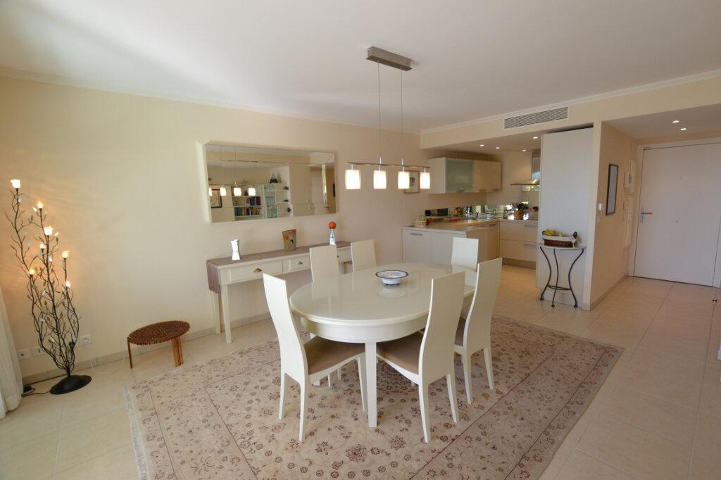 Appartement à vendre 3 63.06m2 à Cannes vignette-7