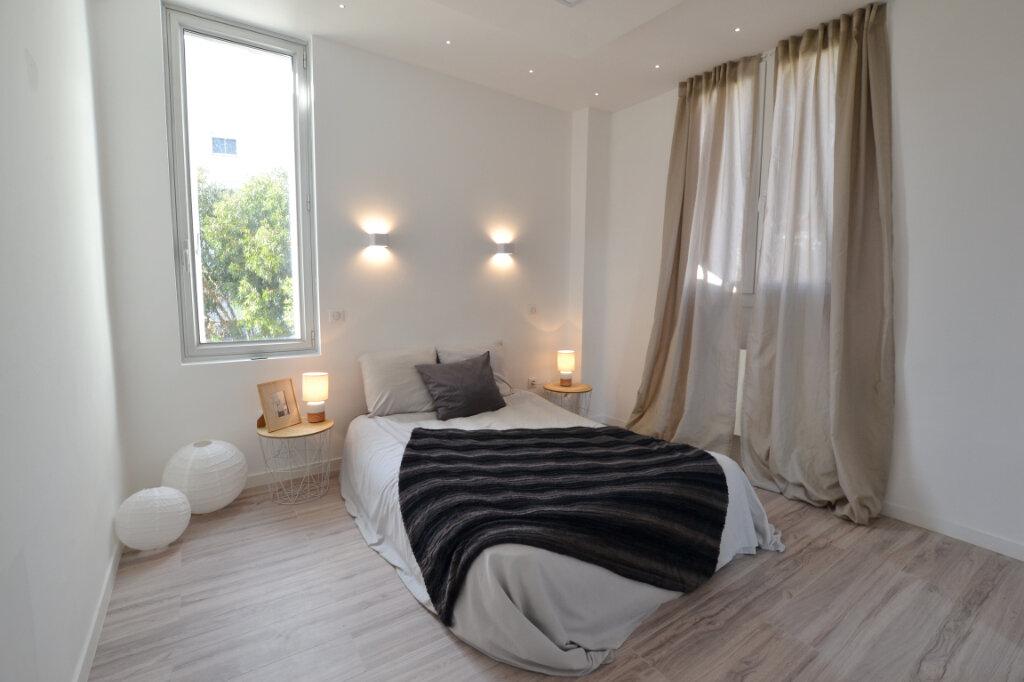 Appartement à vendre 3 78.24m2 à Cannes vignette-4