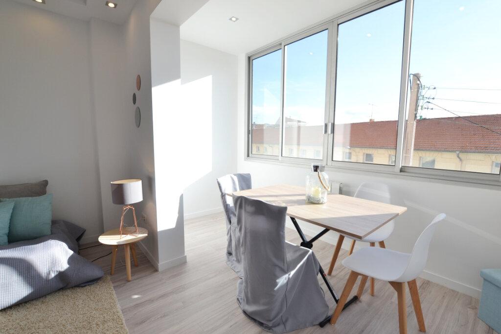 Appartement à vendre 3 78.24m2 à Cannes vignette-6