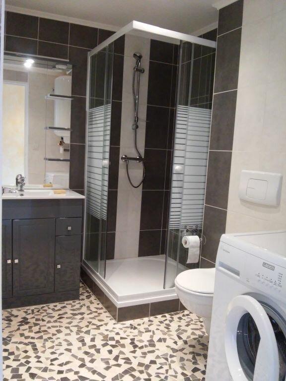 Appartement à louer 2 53m2 à Limoges vignette-2