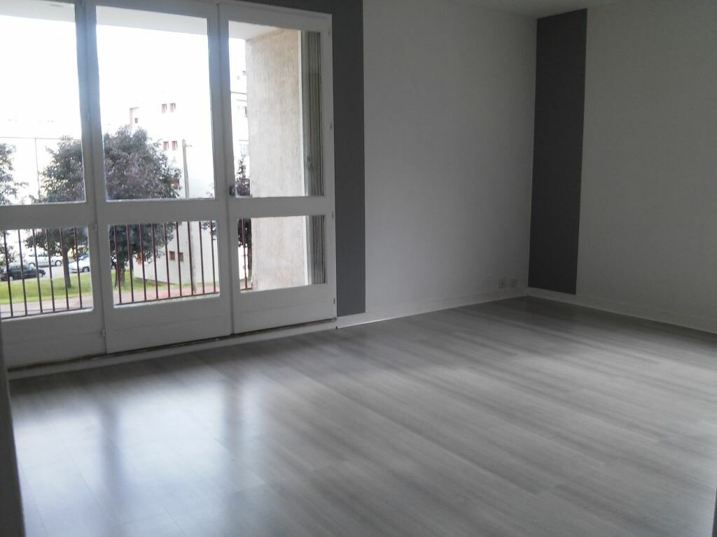 Appartement à louer 2 53m2 à Limoges vignette-3