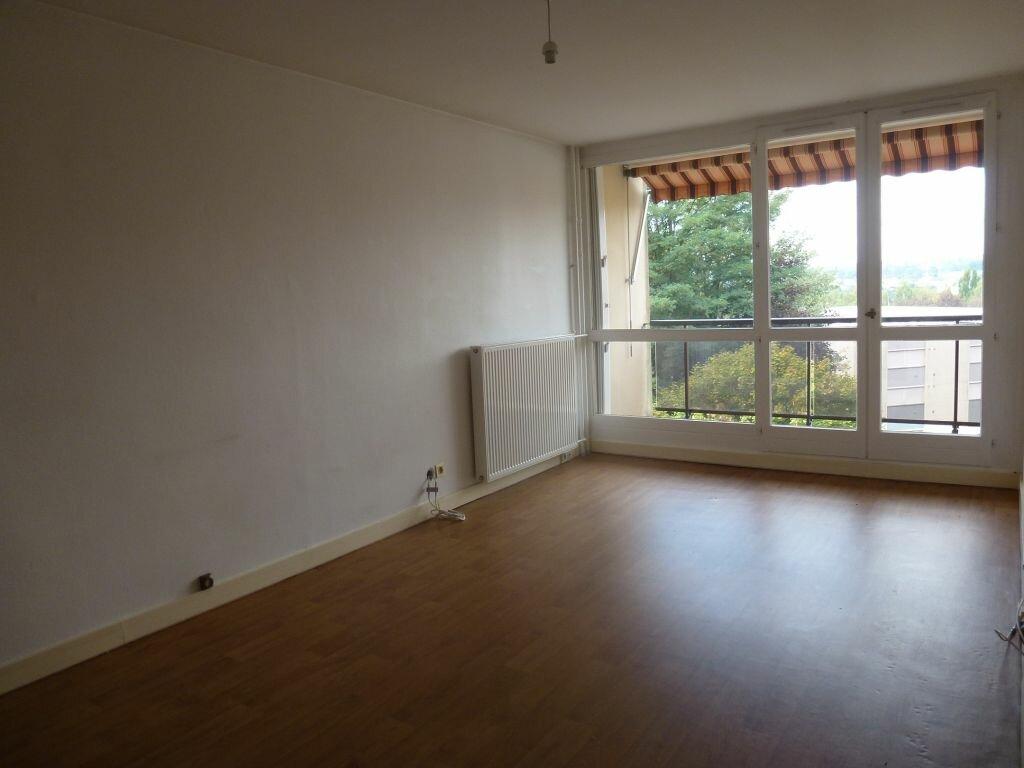 Appartement à louer 4 81.66m2 à Limoges vignette-1