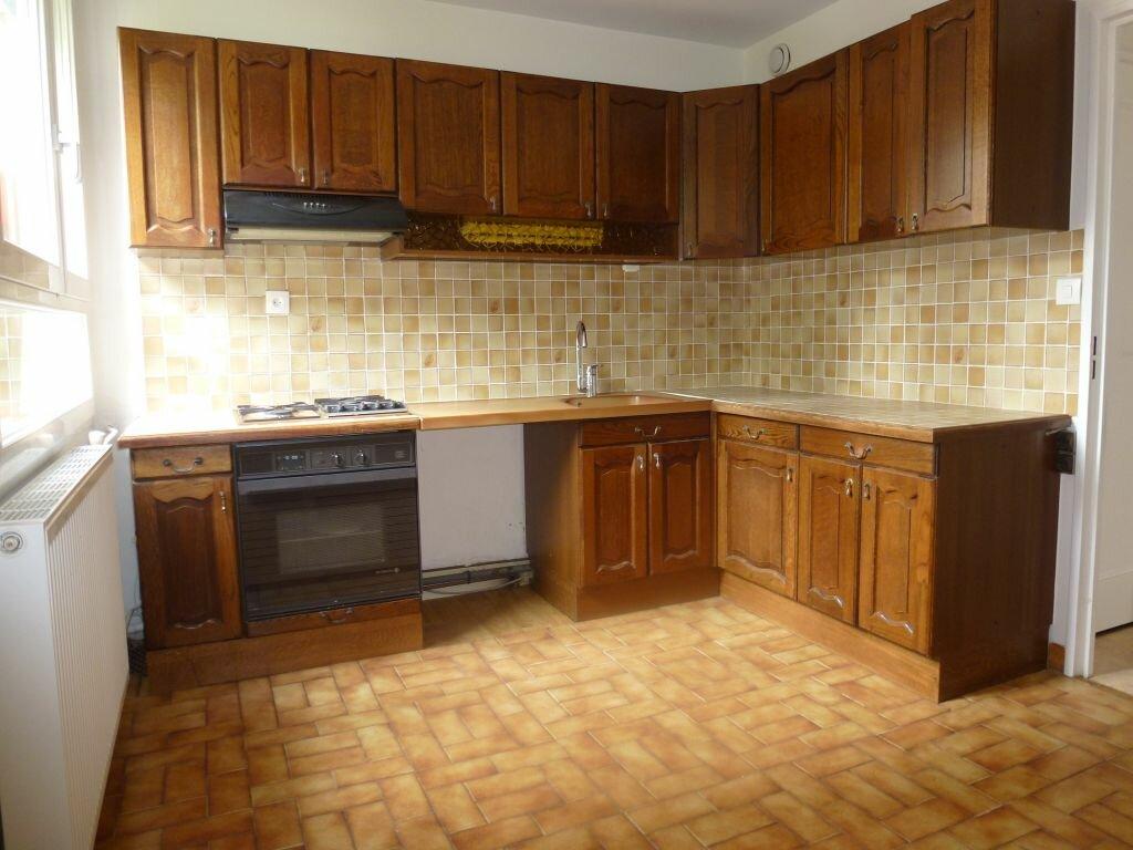 Appartement à louer 4 81.66m2 à Limoges vignette-2