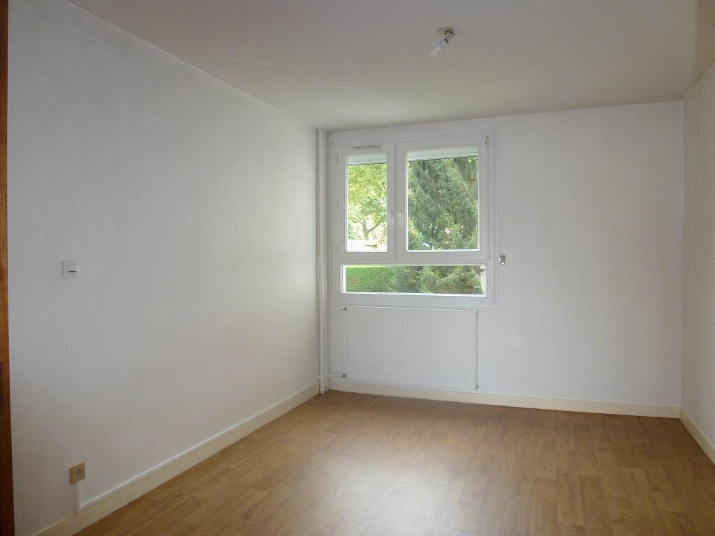 Appartement à louer 4 81.66m2 à Limoges vignette-4