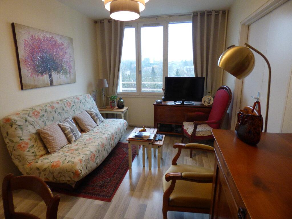 Appartement à louer 2 45.41m2 à Limoges vignette-2