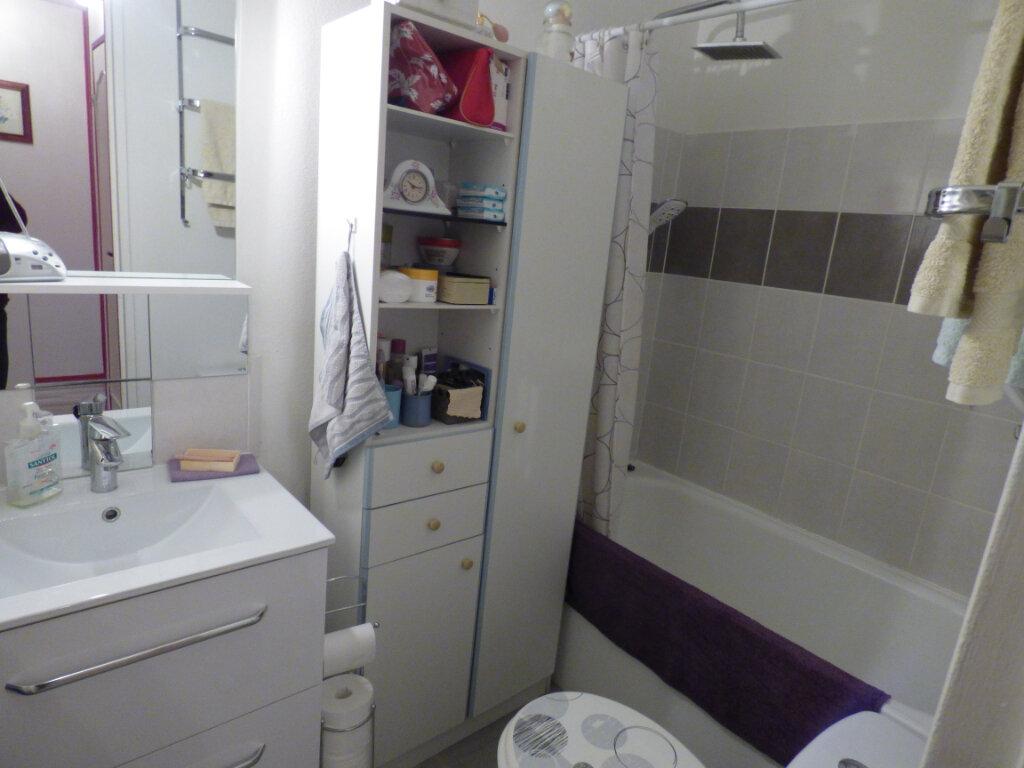 Appartement à louer 2 45.41m2 à Limoges vignette-4