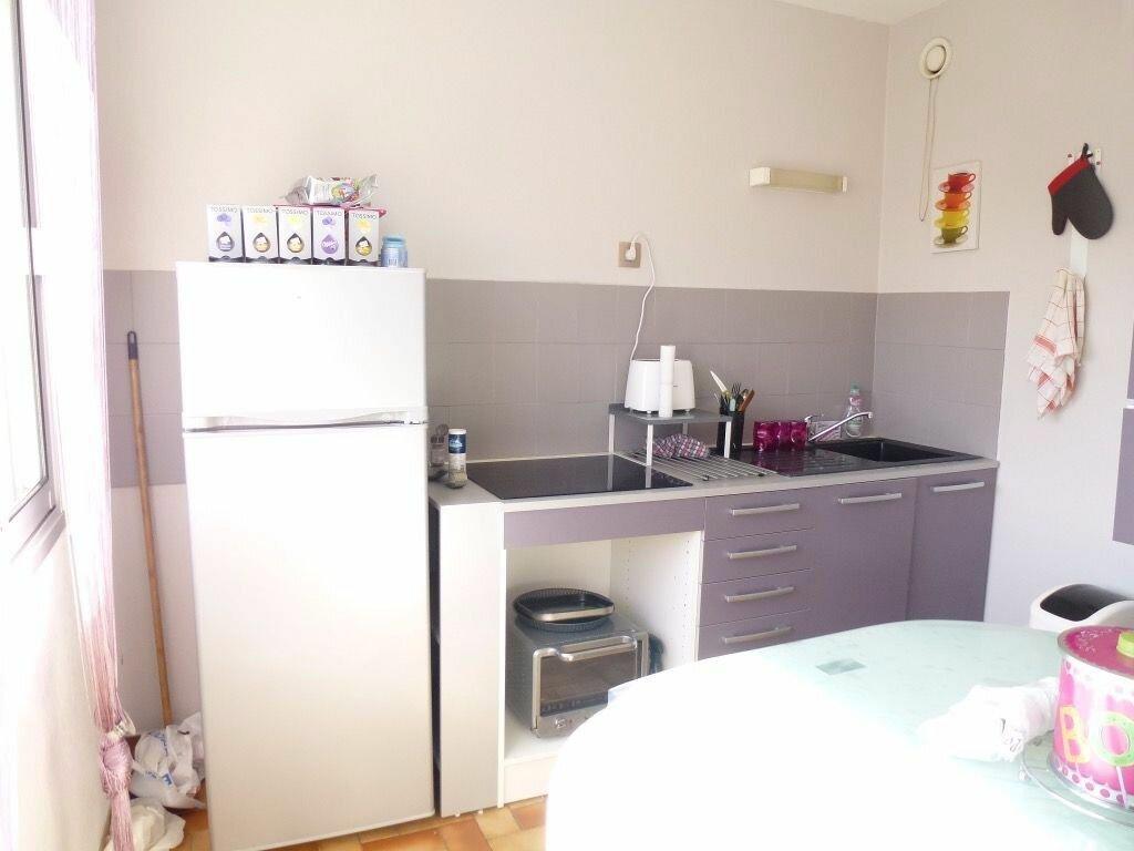 Appartement à louer 2 49.31m2 à Limoges vignette-3