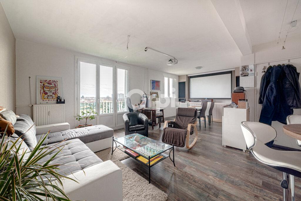 Appartement à vendre 4 65.8m2 à Limoges vignette-1
