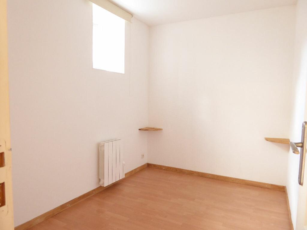 Appartement à louer 2 24.55m2 à Limoges vignette-3