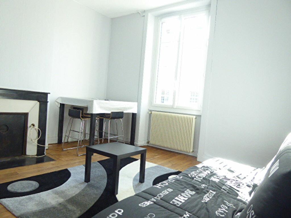 Appartement à louer 2 47.83m2 à Limoges vignette-2