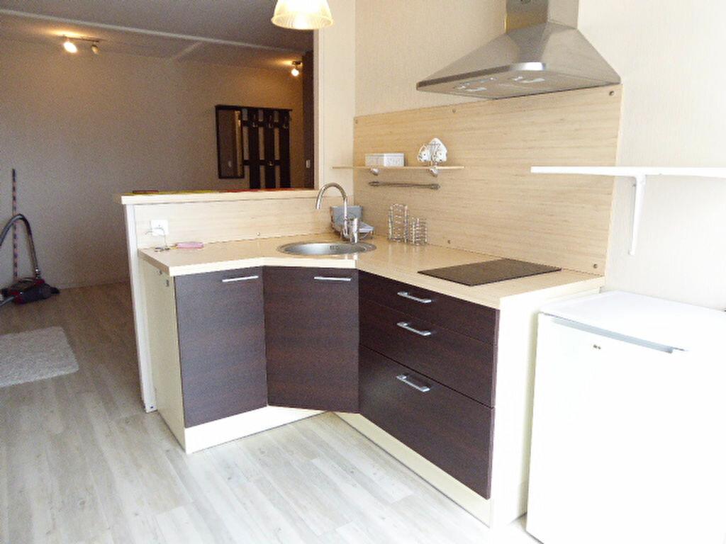 Appartement à louer 2 30.34m2 à Limoges vignette-1