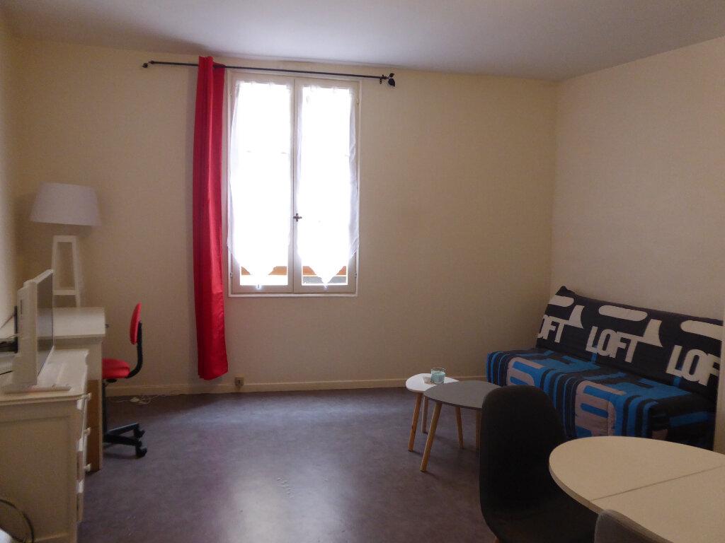 Appartement à louer 1 23.3m2 à Limoges vignette-4