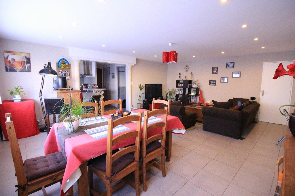 Appartement à louer 4 82.17m2 à Limoges vignette-2