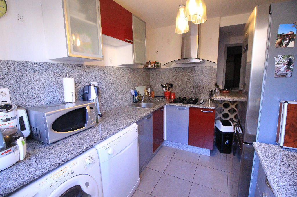 Appartement à louer 4 82.17m2 à Limoges vignette-3