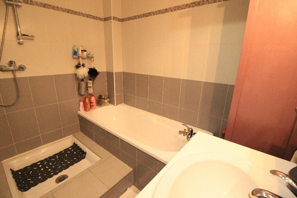Appartement à louer 4 82.17m2 à Limoges vignette-7