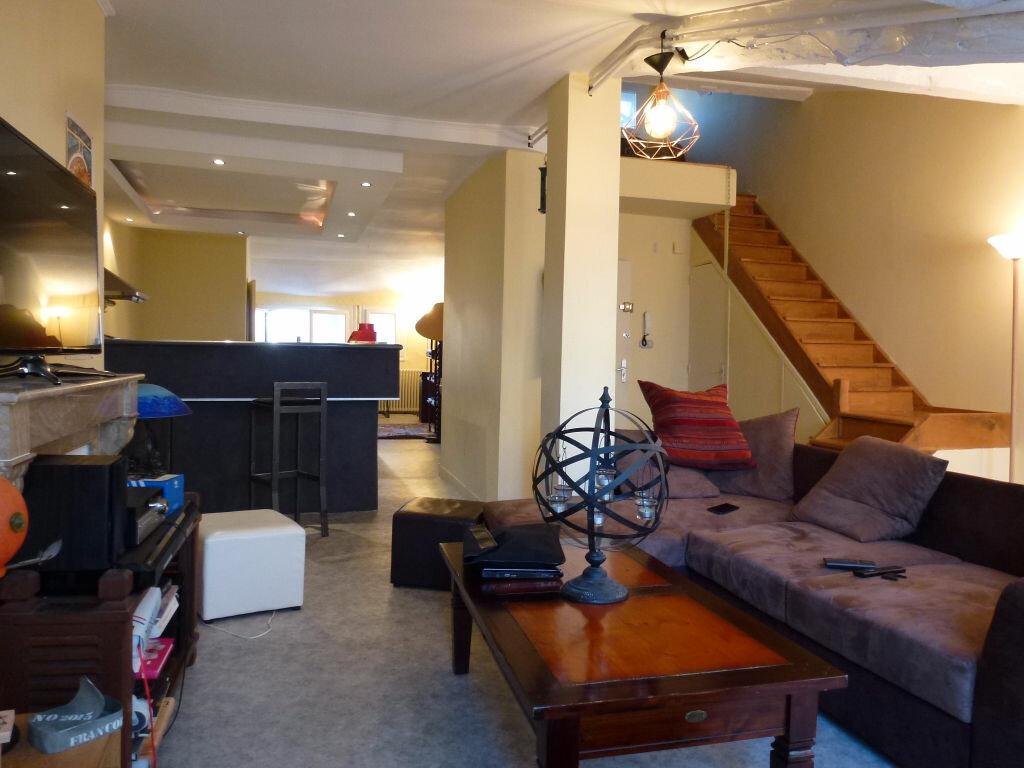 Appartement à louer 2 75.44m2 à Limoges vignette-1
