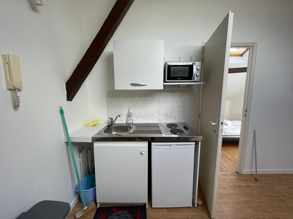 Appartement à louer 2 19m2 à Limoges vignette-3