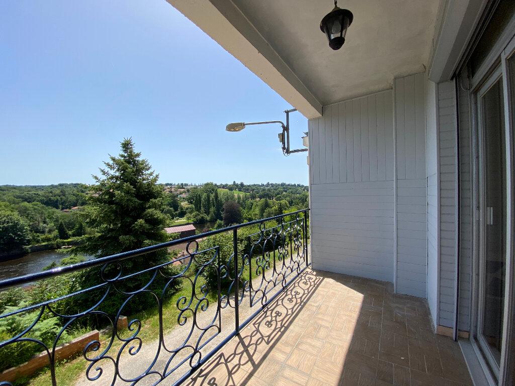 Appartement à louer 3 80.56m2 à Limoges vignette-1