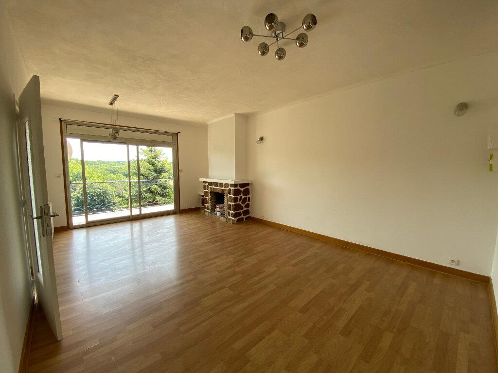 Appartement à louer 3 80.56m2 à Limoges vignette-3