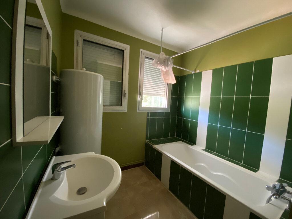 Appartement à louer 3 80.56m2 à Limoges vignette-7