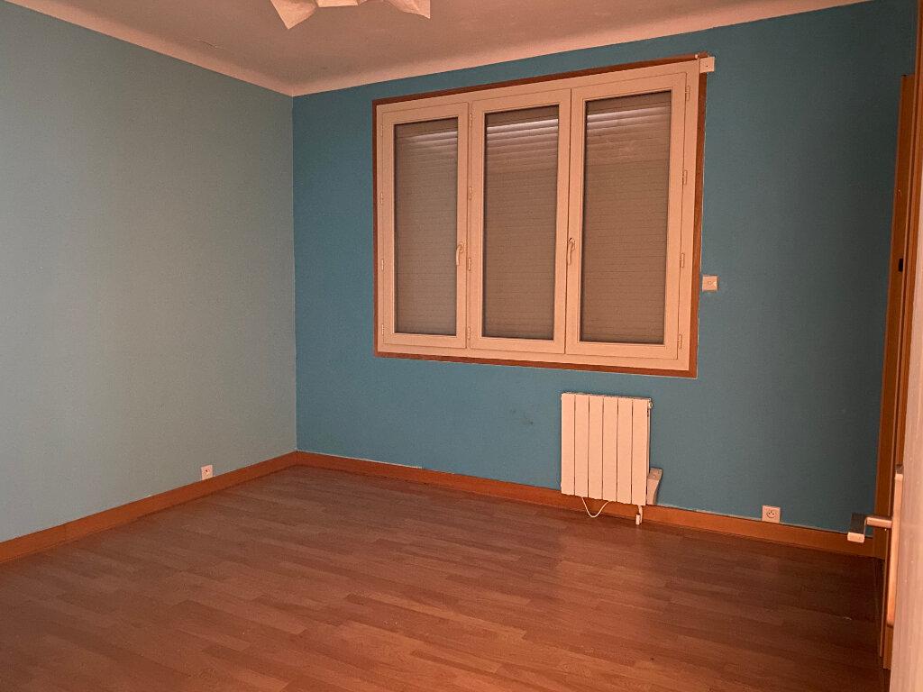Appartement à louer 3 80.56m2 à Limoges vignette-9