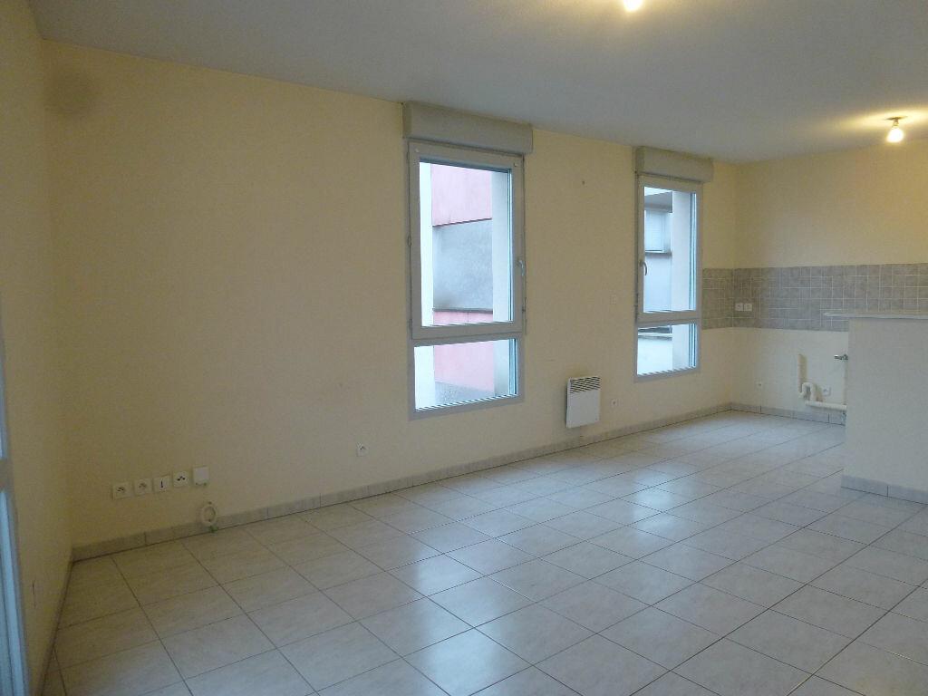 Appartement à louer 3 63.3m2 à Limoges vignette-2