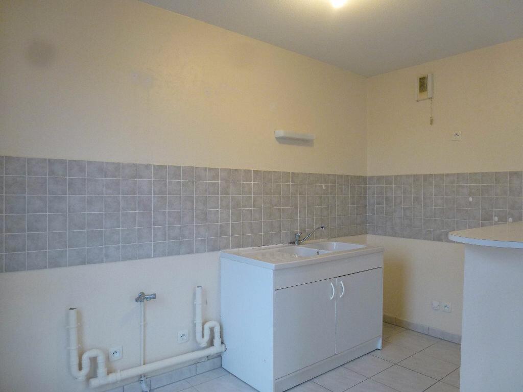 Appartement à louer 3 63.3m2 à Limoges vignette-4