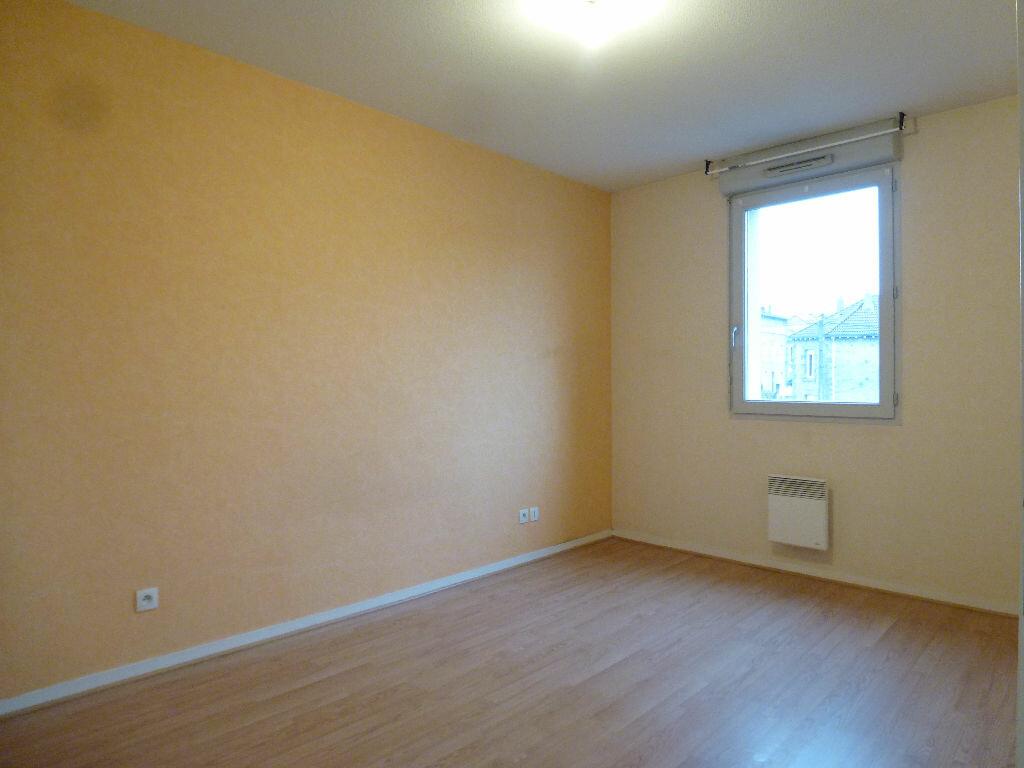 Appartement à louer 3 63.3m2 à Limoges vignette-6