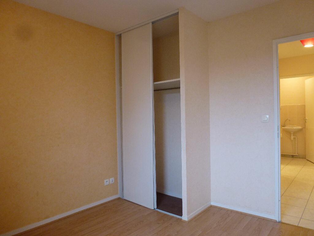 Appartement à louer 3 63.3m2 à Limoges vignette-8