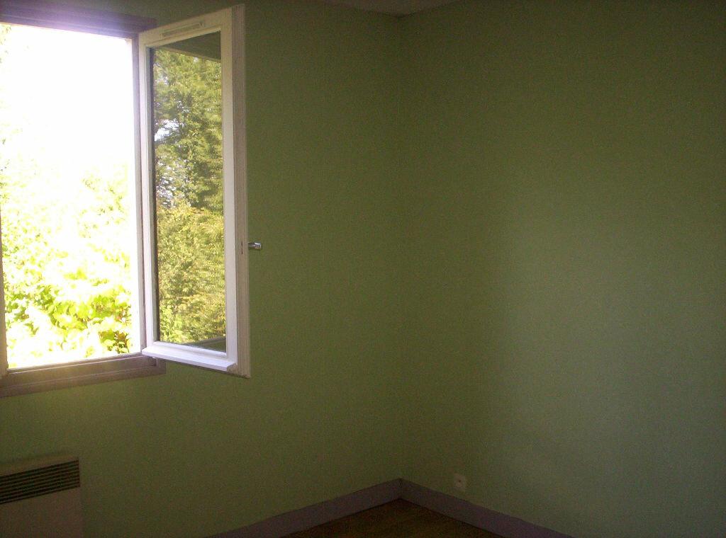 Maison à louer 4 88.07m2 à Eyjeaux vignette-7