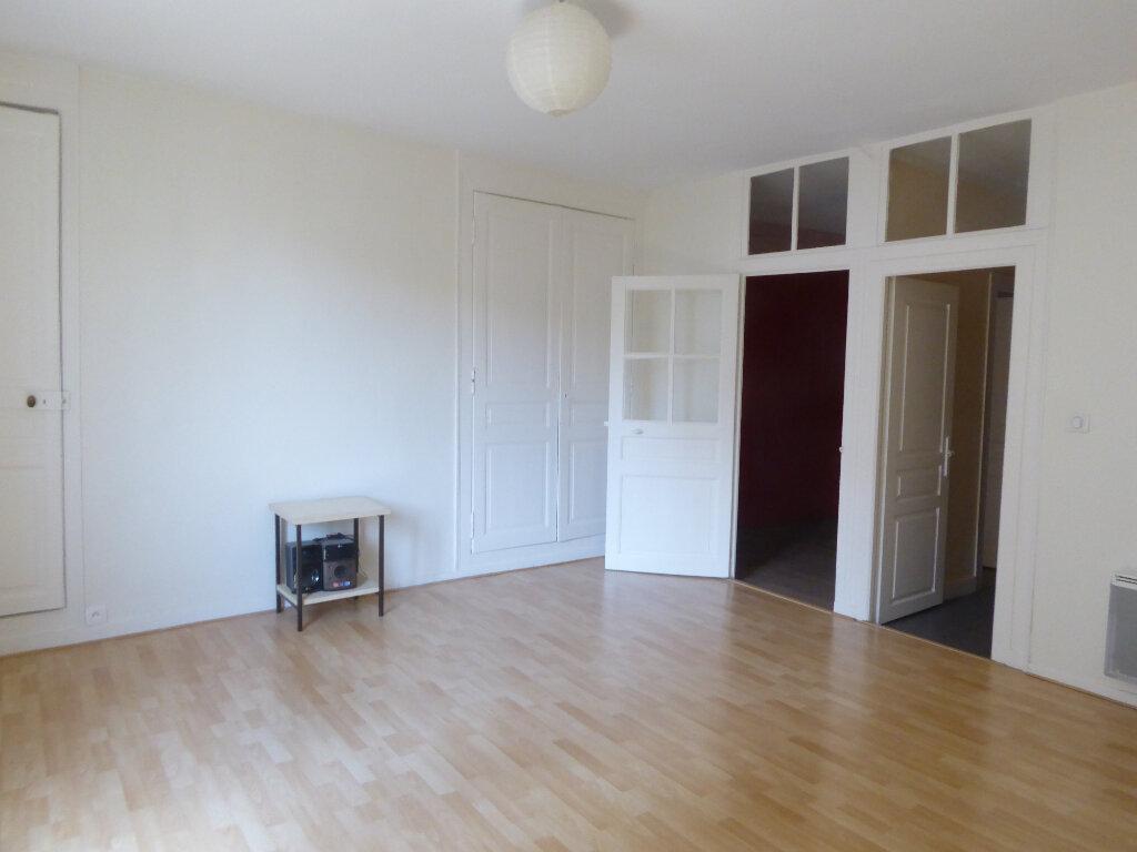 Appartement à louer 1 37.63m2 à Limoges vignette-4