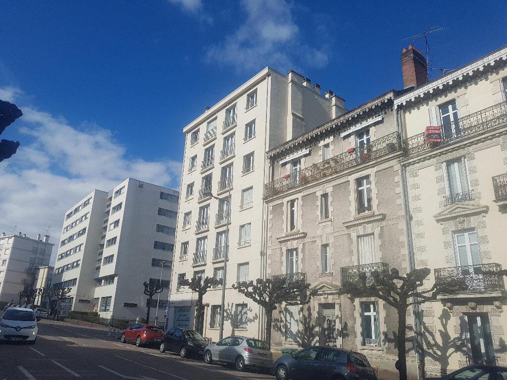 Appartement à vendre 4 80.47m2 à Limoges vignette-1